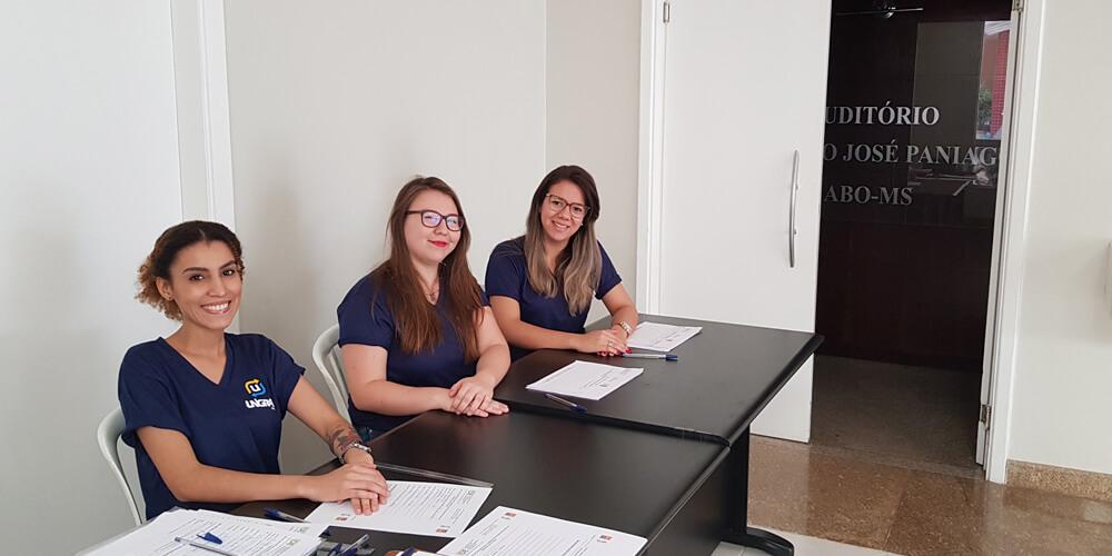 academicas participam de curso de voluntariado
